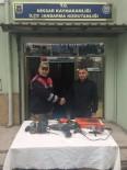 Hırsızlar Jandarmanın Takibi İle Yakalandı