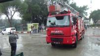 AHMET OZAN ŞARLAK - İlköğretim Oklunda Çıkan Yangın Korkuttu
