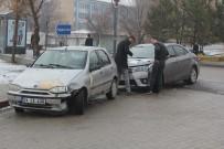 SIVAS CUMHURIYET ÜNIVERSITESI - Kaza Yaptı, Sınavdan Çıkmasını Bekledi