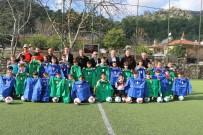 NIHAT ÖZTÜRK - Marmaris'te Amatör Spor Kulüplerine Malzeme Desteği