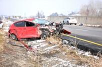 HAFTA SONU TATİLİ - Patnos'ta Trafik Kazası Açıklaması 2 Yaralı