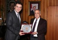 FEN FAKÜLTESİ - Rektör Çomaklı, TÜBİTAK Teşvik Ödülü Alan Doç. Dr. Önder Metin'i Tebrik Etti