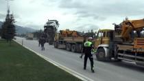 PAMUKKALE - 'Şaha Kalkan' Tırın Sürücüsü Yaralandı