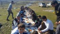 DERECIK - Şemdinli'de Kış Ortasında Piknik Keyfi