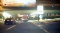 ATATÜRK BULVARI - Seyir Halindeki Otobüse Tutunan Patencinin Tehlikeli Yolculuğu