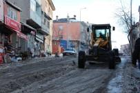 Ardahan Belediyesi Ekipleri Kar Ve Buz Temizliğini Sürdürüyor