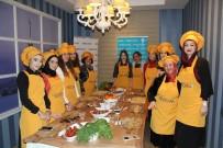 WORKSHOP - Beslenme Ve Diyet Uzmanı, Gönüllülerle Sağlıklı Yiyecek Yaptı