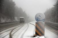 KARLA MÜCADELE - Bolu Dağı'nda Kar Yağışı Başladı