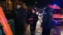 ALTINŞEHİR - Bursa'da Otomobil Atık Su Kanalına Devrildi Açıklaması 1 Ölü, 1 Yaralı