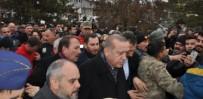 Cumhurbaşkanı Erdoğan'ın İlçelerine Geldiğini Duyan Stadyuma Koştu