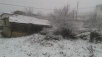 YASSıÖREN - Dursunbey'in Yüksek Kesimlerinde Kar Yağışı Etkili Oldu