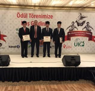 Kafkaslardan Başkan Toçoğlu'na 'Yılın Başkanı Ödülü'