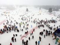 DOLULUK ORANI - Kayak Merkezlerinde Adım Atacak Yer Kalmadı