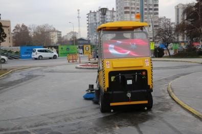 Melikgazi'de Elektrikli Süpürge Taksi Hizmete Girdi