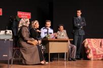 Nafile Dünya Tiyatrosu Büyük İlgi Gördü
