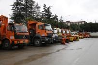İŞ MAKİNESİ - İstanbul'da kar alarmı