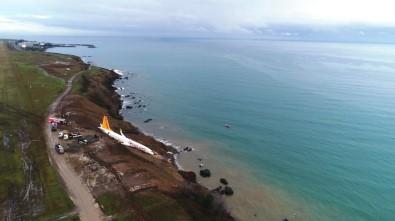 Pegasus Havayolları'nın Trabzon'da Pistten Çıkan Uçağı Günün Ağarması İle Birlikte Havadan Görüntülendi