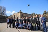 ABDULLAH DÖLEK - Vali Ustaoğlu, Misafirlerine Bitlis'i Gezdirdi