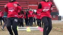 MINYATÜR - Yüksekovalı Kızlar Futbolda Türkiye Şampiyonasına Hazırlanıyor