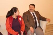 MEHMET DEMIR - Ağrı'da 60 Öğrencinin Evde Eğitim Hizmeti İle Yüzü Güldü