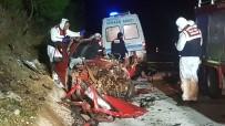 MUSTAFA GÜNEŞ - Antalya'da  Feci Kaza Açıklaması 3 Ölü, 12 Yaralı