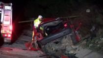 MUSTAFA GÜNEŞ - Antalya'da Otobüsle Otomobil Çarpıştı Açıklaması 3 Ölü, 12 Yaralı