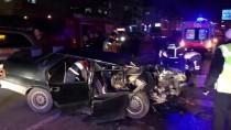BİLECİK DEVLET HASTANESİ - Bilecik'te İki Otomobil Çarpıştı Açıklaması 3 Yaralı