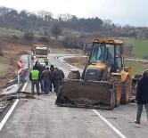 SICAK ASFALT - Çavdarhisar'da 3 Köy Yoluna Sıcak Asfalt