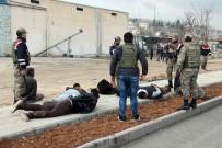 Elazığ'da İki Grup Kavga Etti Açıklaması 1 Asker Yaralandı