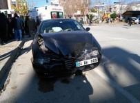İki Kadın Sürücü Çarpıştı Açıklaması 4 Yaralı