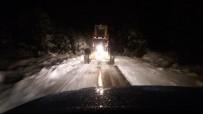 KARLA MÜCADELE - Manisa'nın Yüksek Kesimlerinde Karla Mücadele Aralıksız Sürüyor
