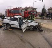 Otomobille Kamyonet Çarpıştı Açıklaması 1 Ölü, 6 Yaralı