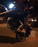 Motosiklet Üzerinde Tehlikeli Hareketler Cep Telefonuyla Kaydedildi