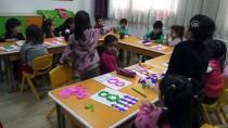 Şehitlerin Fotoğrafları FETÖ'nün Eski Okullarında Sergileniyor