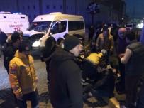 ORGANİZE SANAYİ BÖLGESİ - Servis Aracı Kamyona Çarptı Açıklaması 12 Yaralı