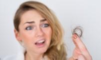 DEMİR EKSİKLİĞİ - Sınav Ve İş Kaygısı Gençlerin Saçını Döküyor