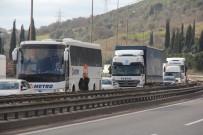 ZİNCİRLEME KAZA - TEM'de 12 Araç Birbirine Girdi, 10 Kilometre Kuyruk Oluştu