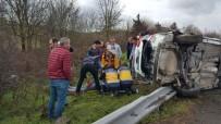 TEM Otoyolunda Takla Atan Araçta Bulunan 3 Kişi Yaralandı