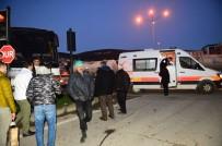 SERVİS OTOBÜSÜ - TIR Servis Otobüsüne Çarptı Açıklaması 9 Yaralı