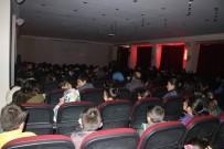SINEMA FILMI - Tutaklılar Sinema İle Tanıştı