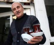 KALİFİYE ELEMAN - Yarım Asırdır Aynı Kahvede Çay Demliyor