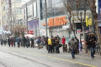 Eskişehir'e Beklenen Kar Geldi
