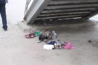 BOMBA İMHA UZMANLARI - Fikri Işık'ın Güzergahındaki Şüpheli Paket Patlatıldı