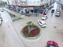 Gürsu'da Kent Mobilyaları Ve Yeşil Bütünleşiyor