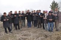 KÖY İMAMI - Köylüler Kar Duasına Çıktı