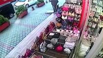 POLİS EKİPLERİ - Sakarya'da Hırsızlık Anı Güvenlik Kamerasına Yansıdı