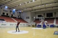 TEMİZLİK GÖREVLİSİ - Temizlik Görevlisinin Basketbol Yeteneği Şaşırtıyor
