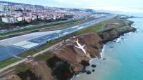 KABİN GÖREVLİSİ - Trabzonlu 'Rambo Halit' Pisten Çıkan Uçağın Denize Yuvarlanan Motorunu Çıkartmak İçin İzin İstiyor