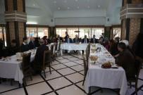 İMAM HATİP OKULLARI - Tuşba Belediyesi, Dereceye Giren Öğrencileri Umreye Uğurladı