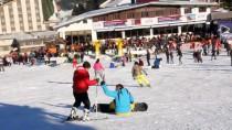 BELÇIKA - Uludağ'da Kar Altında Havuz Keyfi